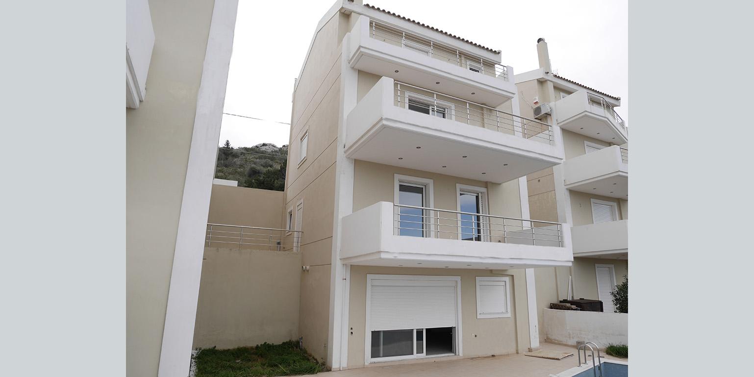 Villa in Palaia Fokaia (list)