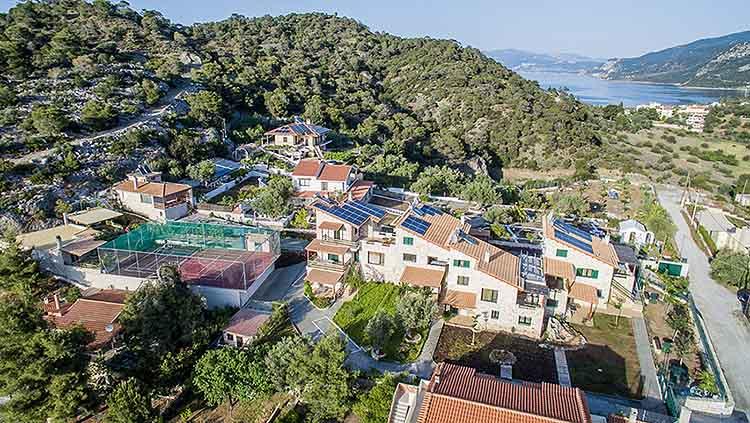 bungalows in loutraki greece